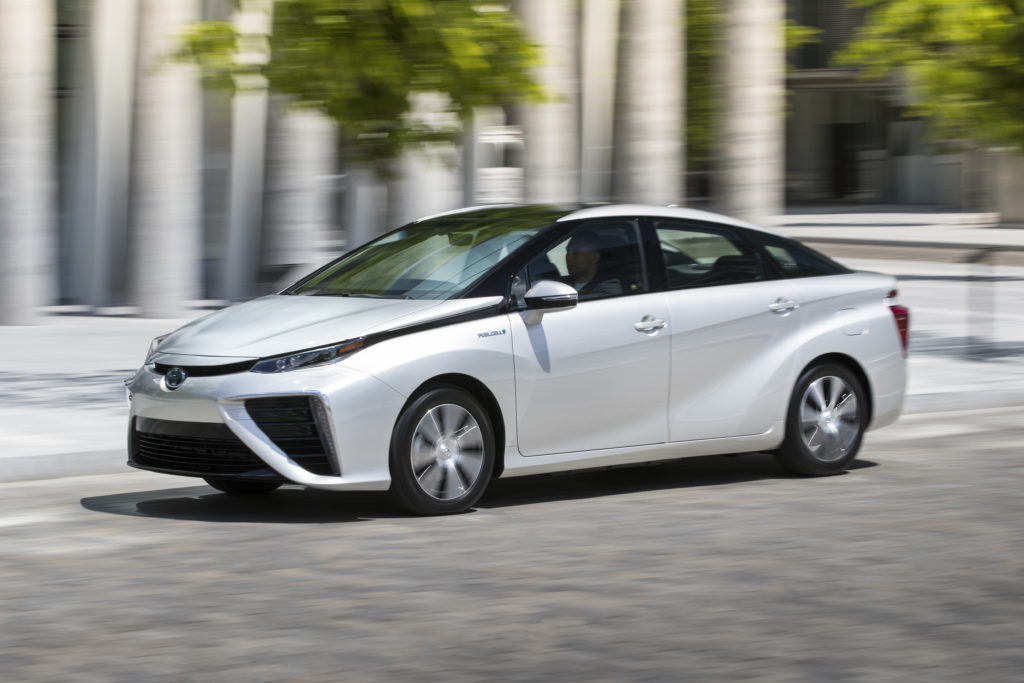 Mirai เป็นรถเซลล์เชื้อเพลิงที่ TOYOTA ส่งมาทำตลาดรถพลังงานทางเลือกแข่งกับ EV